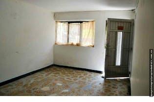 Casa en venta en Manrique Central de cuatro habitaciones