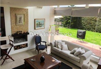 Casa Lote en Cota-Cundinamarca, con 4 Habitaciones - 1030 mt2.