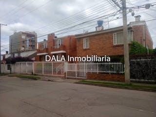 Una señal que está en el lado de un edificio en Casa en venta en Casco Urbano Chía 199m² con Balcón...