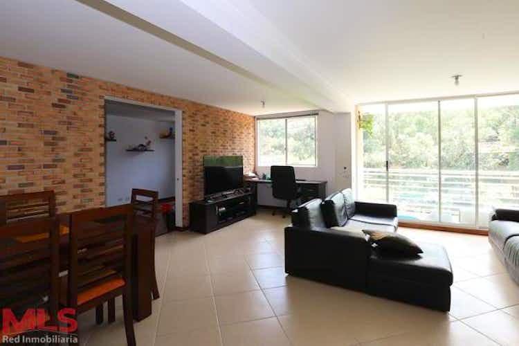 Portada Apartamento en Castropol, Poblado - 120mt, tres alcobas, balcón