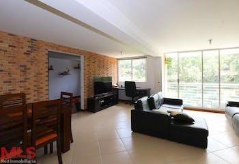 Apartamento en Castropol, Poblado - 120mt, tres alcobas, balcón