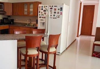 Apartamento de 95m2 en Colibrí, Sabaneta (Aves María) - con tres habitaciones