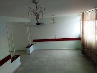 Un cuarto de baño con lavabo y ducha en Casa en Quiroga, Rafael Uribe - 140mt, cinco alcobas