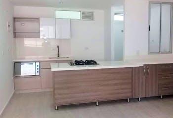 Apartamento en Calle Larga, Sabaneta - 90mt, tres alcobas, dos balcones