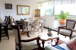 Apartamento en La Mota, Belen - 80mt, tres alcobas, balcón