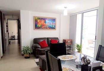 Apartamento en Loma de las Brujas, Envigado - 92mt, tres alcobas, balcón