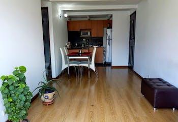 Apartamento en Los Colores, Estadio - 59mt, tres alcobas, balcón