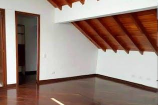 Casa en El Poblado-Loma del Indio, con 4 Habitaciones - 370 mt2.