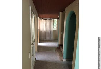 Casa en Los Álamos con apartamento independiente