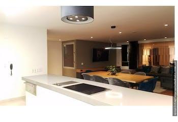 Apartamento en Los Balsos, El Poblado con 3 habitaciones, piso 21 - 236 mt2.