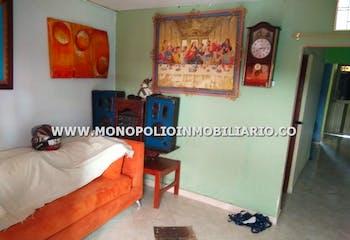 Casa bifamiliar en Barrios de Jesus, Buenos Aires - 120mt, cuatro alcobas, terraza