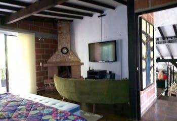 Casa En El Salado, Envigado, cuenta con tres habitaciones