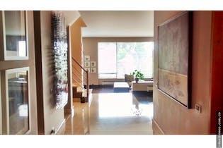 Casa en venta en Bosque de Pinos de 470 mt2. con 2 niveles.