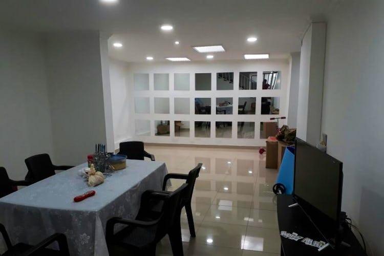 Foto 1 de Casa en Santa Isabel, Restrepo - 340mt, siete alcobas, tres pisos