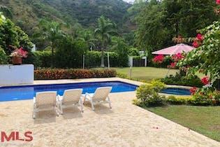 Finca en sopetran-Antioquia, con 4 Habitaciones - 150 mt2.