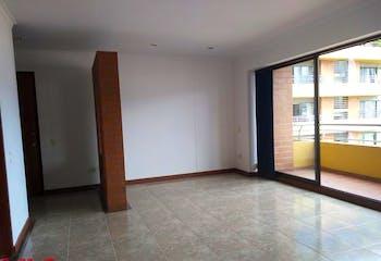 Apartamento en Loma de los Bernal, Belen - 103mt, tres alcobas, balcón