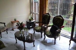 Casa en venta en Batán de 5 hab. con Jardín...