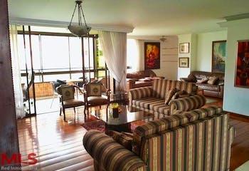 Apartamento en La Tomatera, Poblado - 218mt, tres alcobas, balcón