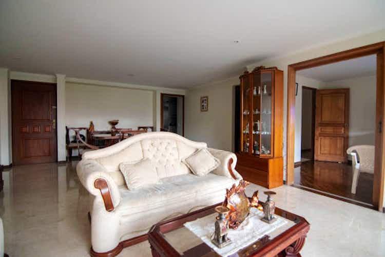 Portada Apartamento en La Tomatera, Envigado - 150mt, tres alcobas, balcón
