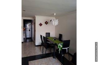 Apartamento en Carlos Lleras, Ciudad Salitre - Tres alcobas