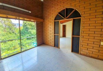 Casa en La Aguacatala, Poblado - 146mt, duplex, cuatro alcobas, balcón