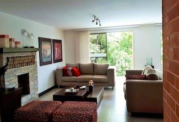 Casa en La Loma del Atravezado-Envigado, con 4 Habitaciones - 366 mt2.