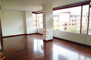 Apartamento en venta en Chicó Navarra de 179 mt2. con balcón