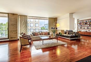 Apartamento en Chico Reservado de 252 Mts, tercer piso.