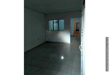 Casa en venta en Manrique Central No. 2 de 3 habitaciones