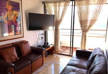 Apartamento en Loma del Indio, Poblado - 92mt, cuatro alcobas, balcón