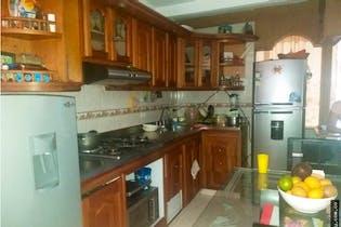 Casa en Bariloche, Itagui - 74mt, tres alcobas, patio