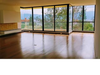 Una vista de una habitación con un gran ventanal en Apartamento en Suba-Bogotá, con 3 Habitaciones - 243.09 mt2.