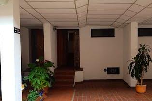 Casa en Cedro Golf, Cedritos - Tres alcobas