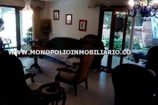Casa Unifamiliar en La Tomatera, Poblado - Cuatro alcobas