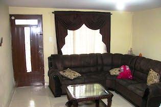 Casa en Zoologico-Guayabal, con 5 Habitaciones - 160 mt2.