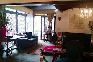 Casa en venta en Las Lomas con Jardín...
