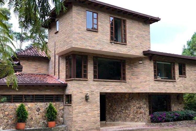 Portada Finca en venta en Sierraalta  5 habitaciones