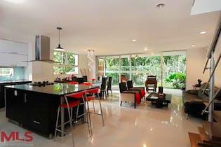 Casa en Loma del Atravezado-Envigado, con 4 Habitaciones - 211.04 mt2.,