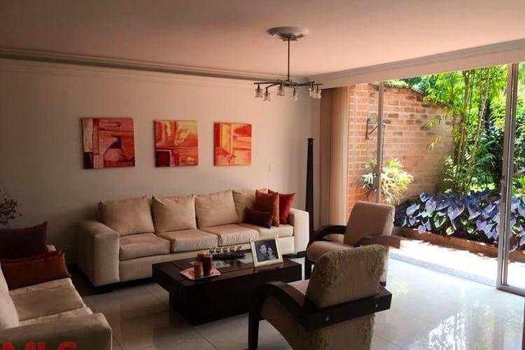 Portada Casa en San jose, Sabaneta, 3 habitaciones- 300m2.