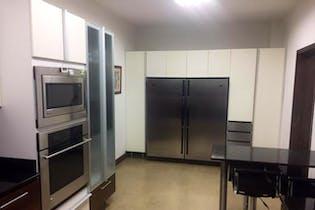 Casa en venta en Loma De Benedictinos de 4 habitaciones