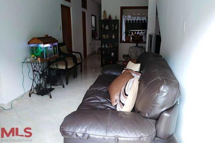 Portada Casa en Envigado-La Magnolia, con 4 Alcobas - 110.19 mt2.