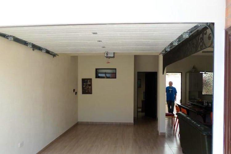 Portada Casa en Urbano (La Ceja), La Ceja - con 2 Habitacioens - 115 mt2.