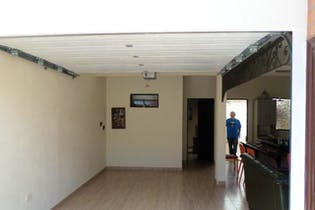 Casa en Urbano (La Ceja), La Ceja - con 2 Habitacioens - 115 mt2.