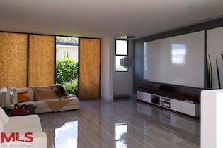 Casa en Rionegro-V. Llanogrande, con 2 Habitaciones - 300 mt2.