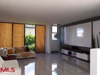 Una sala de estar llena de muebles y una televisión de pantalla plana en Parc. Prado Verde