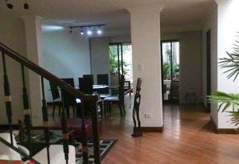 Casa en venta en La Castellana con Jardín...