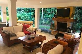 Avellaneda, Casa en venta en Los Balsos, 345m² con Jardín...