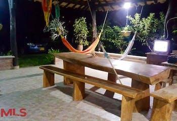 Finca Recreativa de dos niveles en venta en Santa Fé de Antioquia de 300 mts