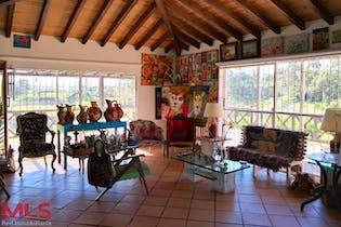Casa en venta en Santa Ana de 3 hab. con Jardín...