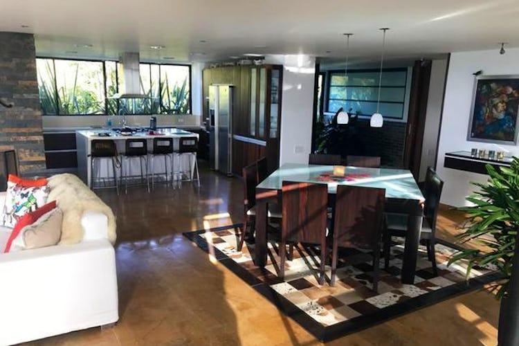 Portada Casa en Alto de Las Palmas Indiana, Envigado, 4 Habitaciones- 570m2.